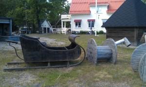 Häst med släde
